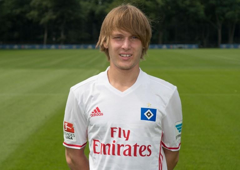 Alen Halilovic con la camiseta del Hamburgo