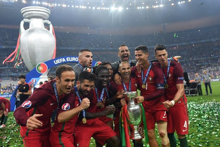 Selección de Portugal celebra el título de la EURO 2016