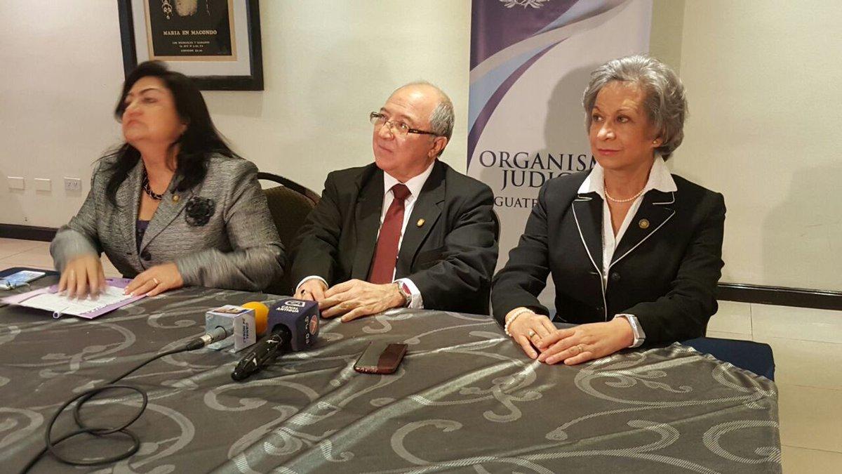 Los magistrados Délia Dávila, Nery Medina y María Morales