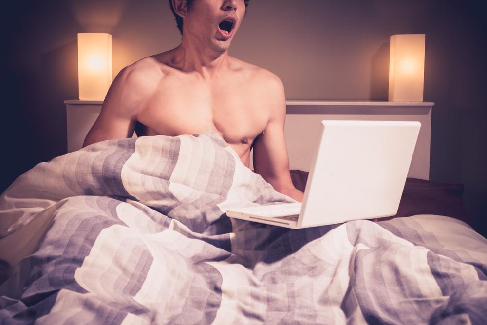 Legisladora propone multar a los hombres por masturbarse