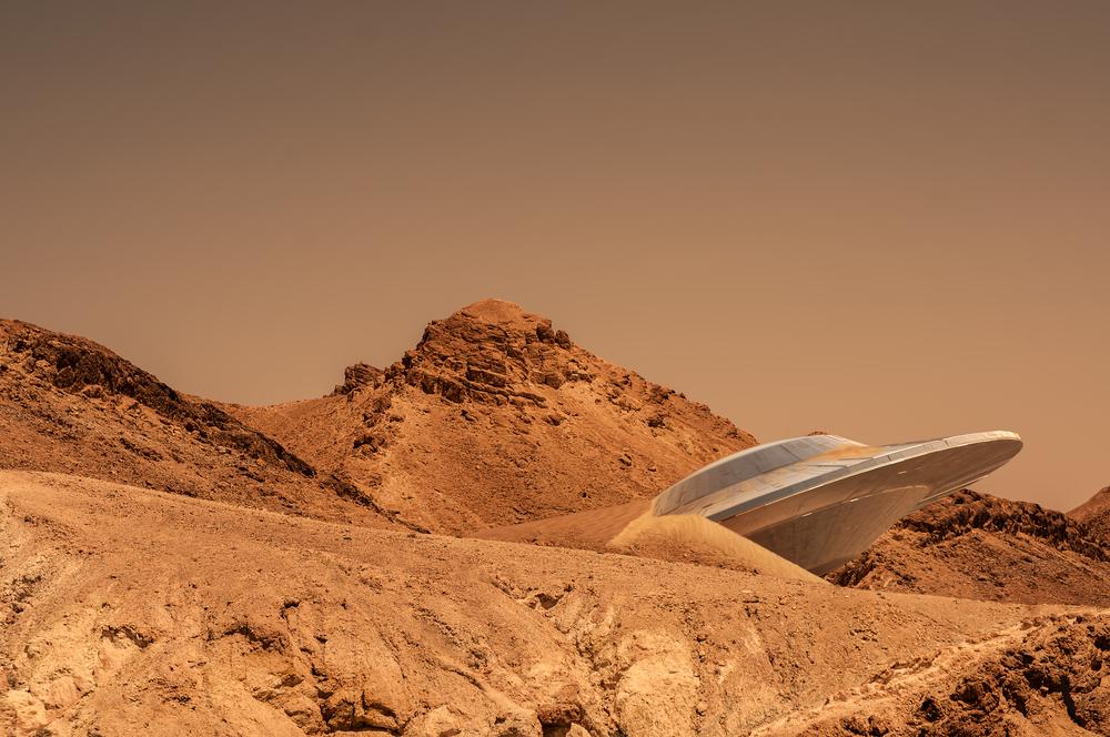Imagen ilustrativa de un ovni en el desierto
