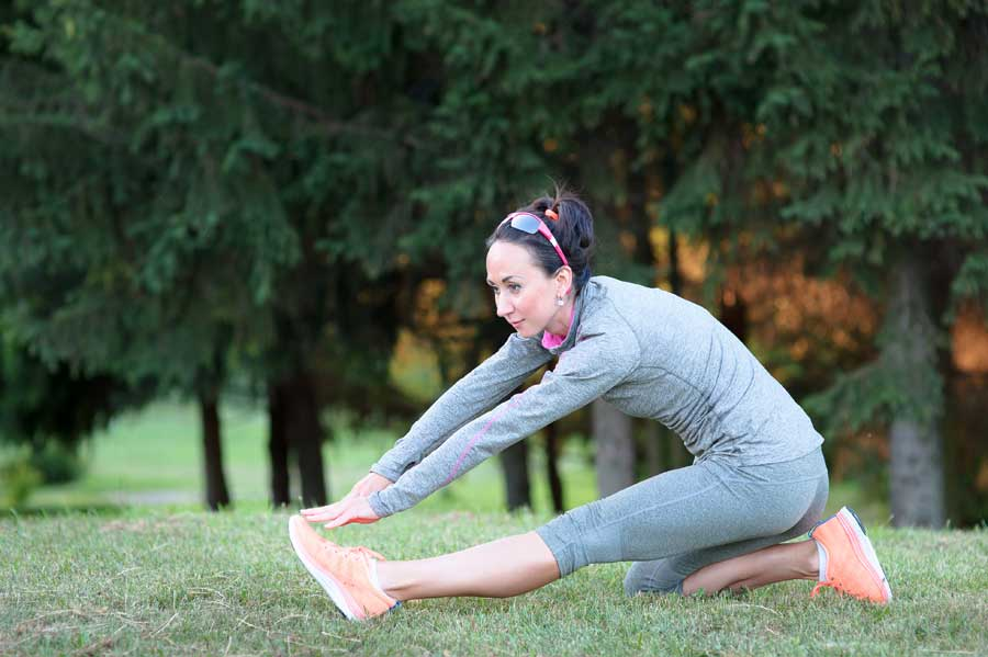 Mujer hace ejercicios