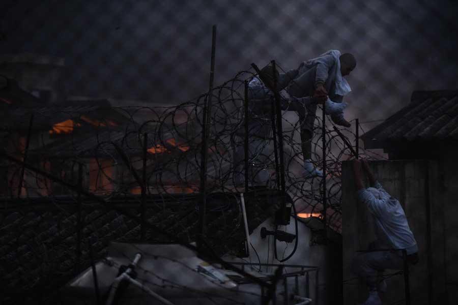 Incendio en interior de Centro Correccional Etapa 2