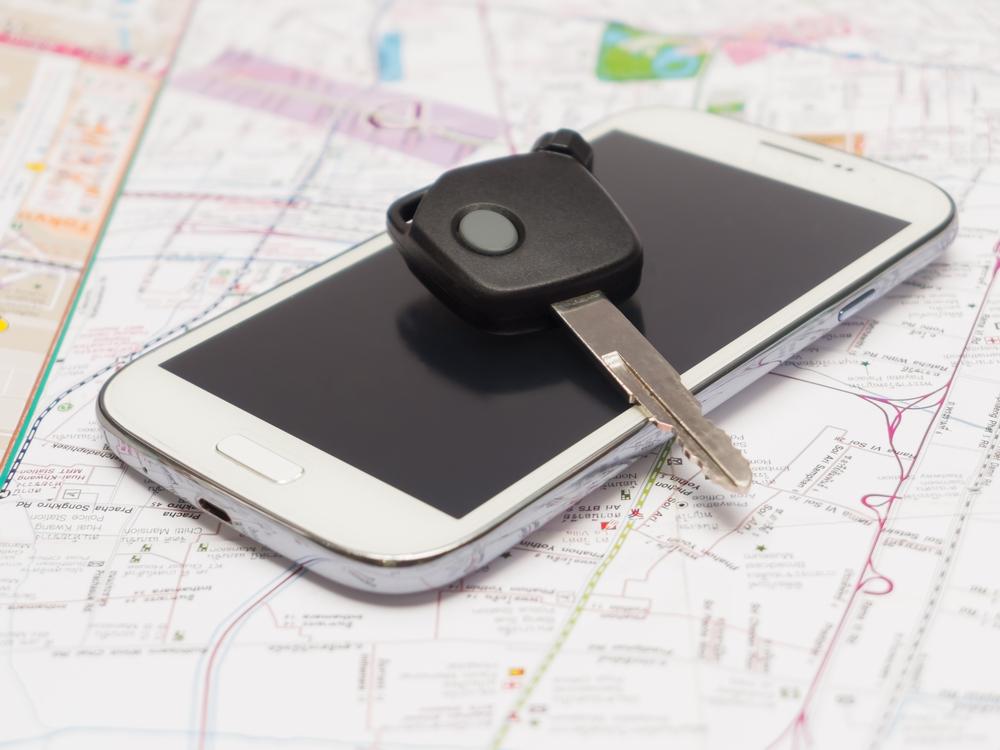 Celular y llaves