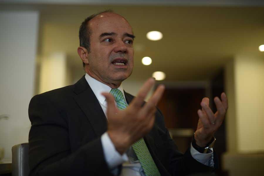Roberto F. Caldas