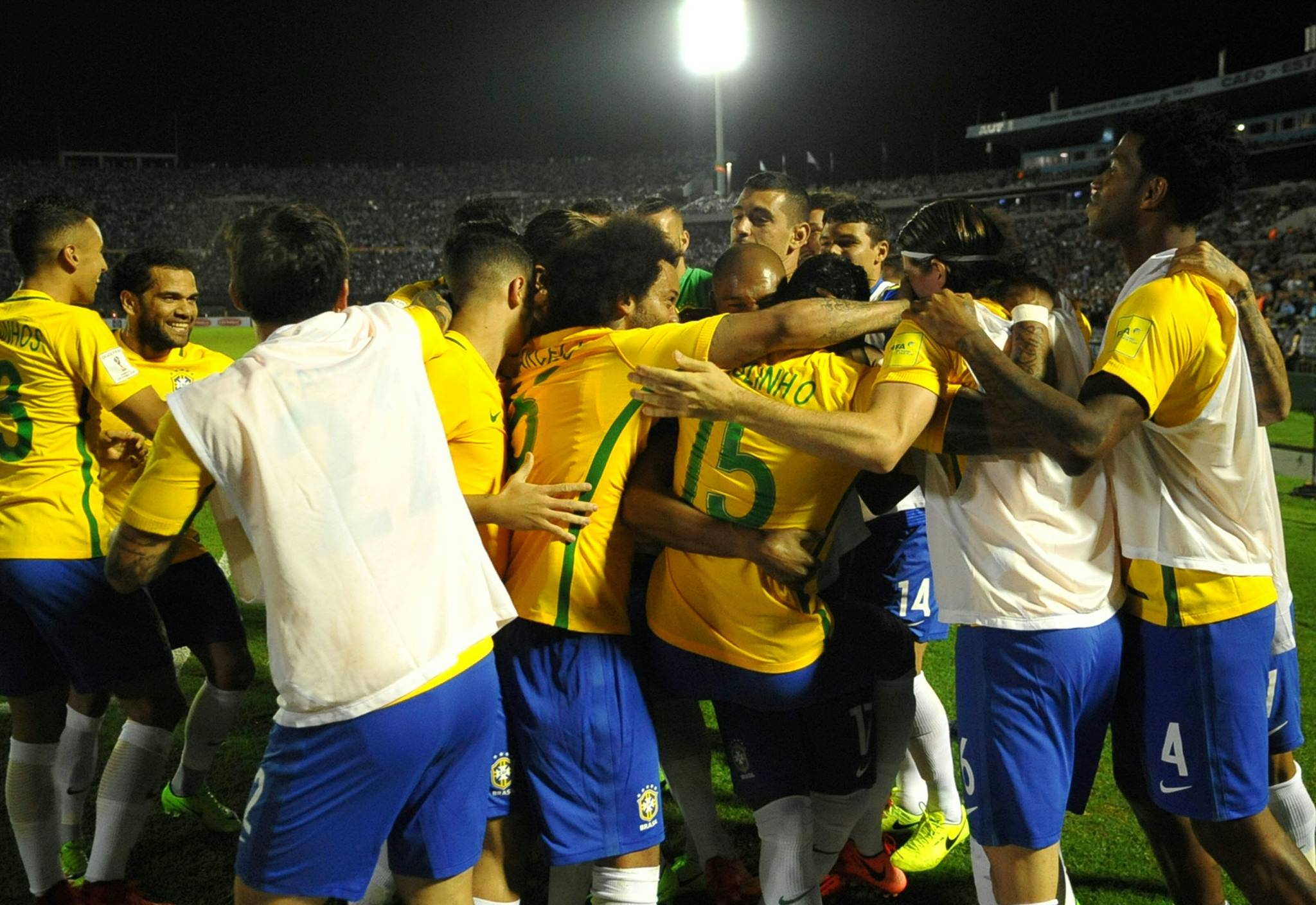 Brasil celebra triunfo en Uruguay