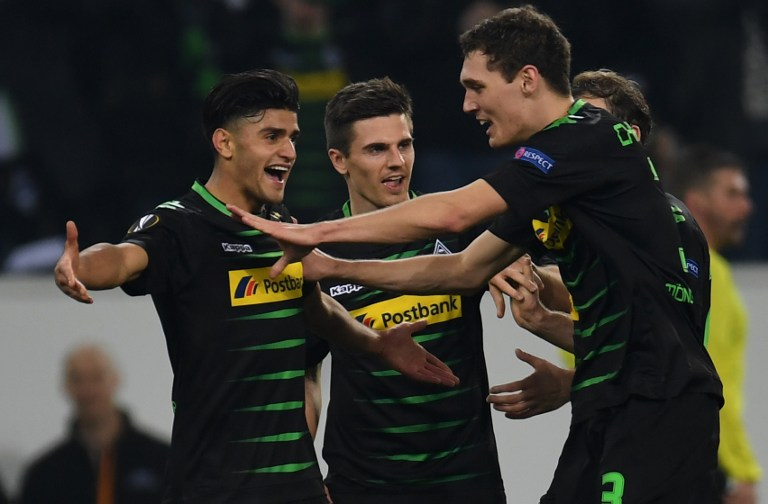 Jugadores del Borussia Mönchengladbach celebran un gol