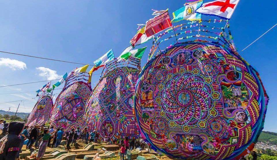 Festival de barriletes gigantes.