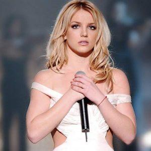 Britney Spears se libera de la presión mostrando de más sin ropa interior
