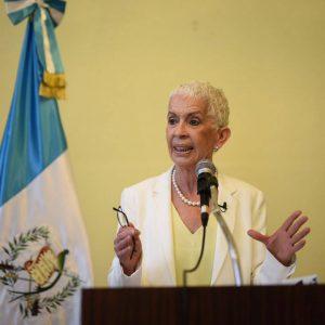 Diputada Adela Camacho de Torrebiarte.
