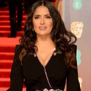 Hija de Salma Hayek sorprende en ajustado mini vestido y cambio de look