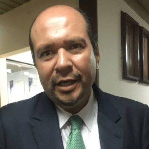 Orlando Blanco, diputado de la bancada Unidad Nacional de la Esperanza (UNE).