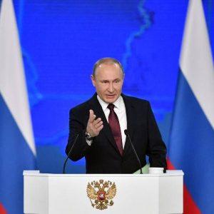 """Putin advierte a sus detractores extranjeros que """"no traspasen la línea roja"""" con Rusia"""
