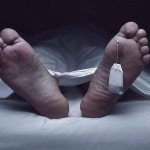 """Un """"muerto"""" vuelve a la vida en la mesa de autopsias"""