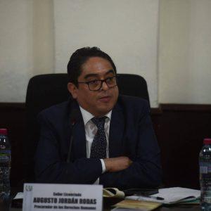 El PDH, Jordán Rodas, cuestiona al presidente, Alejandro Giammattei.