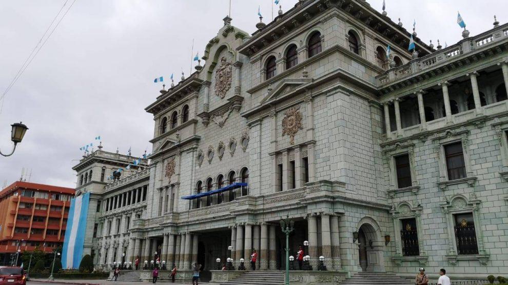 Guatemala busca fortalecer relaciones con Estados Unidos. Palacio Nacional de la Cultura. Gobierno de Alejandro Giammattei.