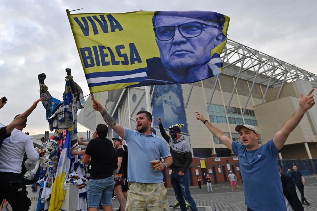 Leeds United, de Bielsa, asciende tras 16 años