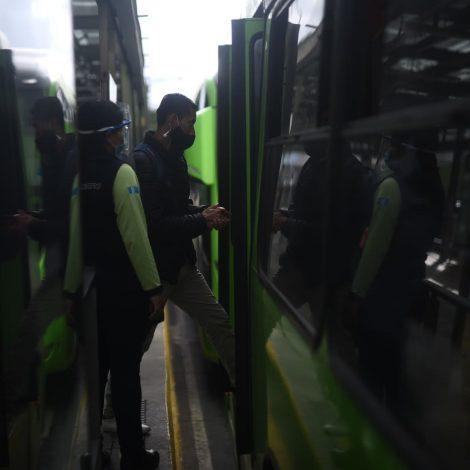 Transmetro reinicia servicio. Foto: Edwin Bercián