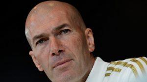 Zinedine Zidane se refiere al arbitraje