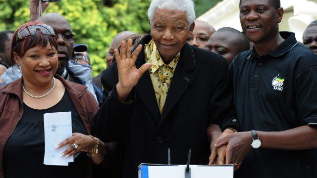 Zindzi Mandela y Nelson Mandela