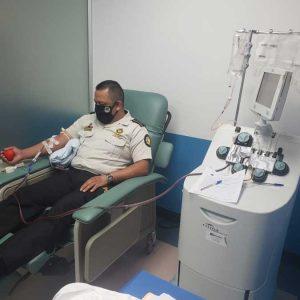 Agente PNC dona plasma
