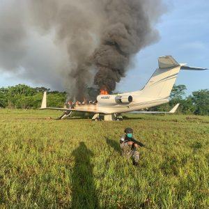 Ejército localiza aeronave incendiada en Petén