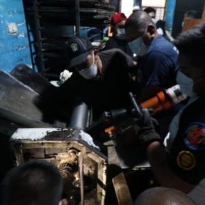Los Bomberos Voluntarios llegaron al lugar para poder auxiliar a la víctima.