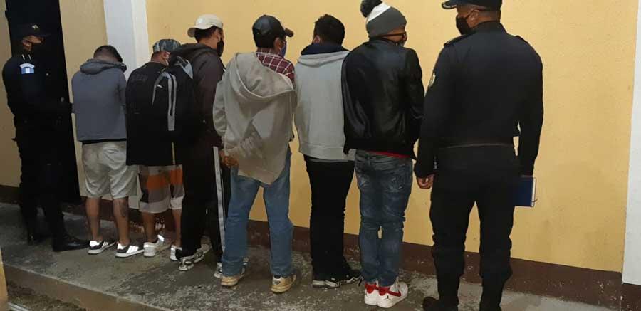 Detenidos por fiestas ilegales