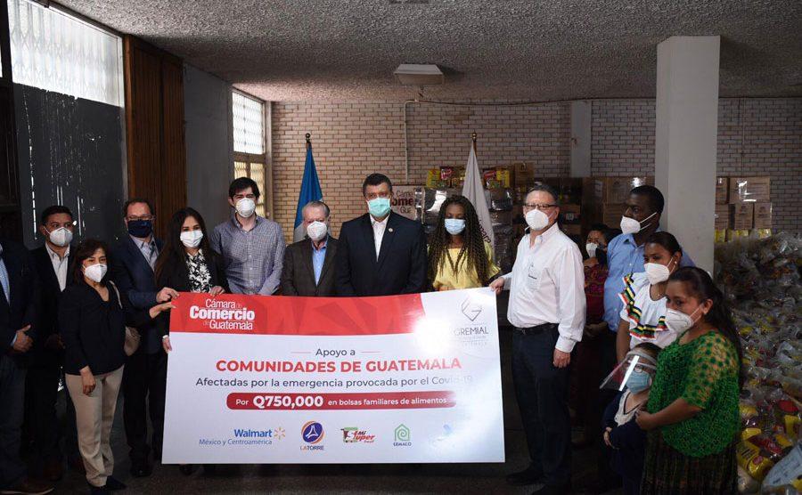 Guillermo Castillo y Cámara de Comercio hacen donativo de alimentos