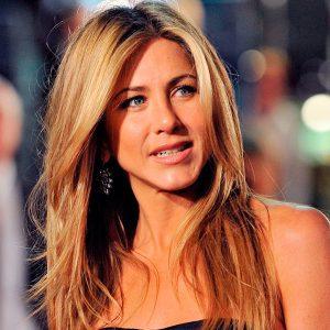 A sus 52 años, Jennifer Aniston cautiva con su escultural figura y rostro joven