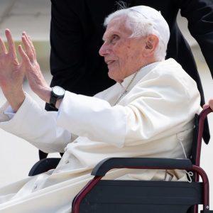 Revelan que el papa emérito Benedicto XVI tiene dificultades para hablar