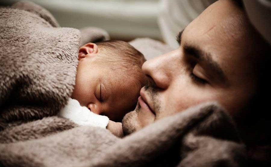 Padre con su bebé