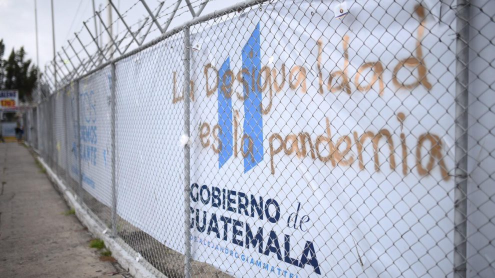 Pintan mantas en hospital del Parque