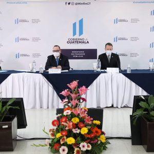 Inauguran portal de ONG en el Minfin