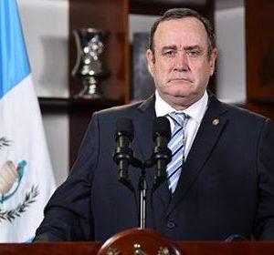 El presidente Giammattei en cadena nacional