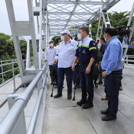 Giammattei revisa remozamiento del puente Ixcán