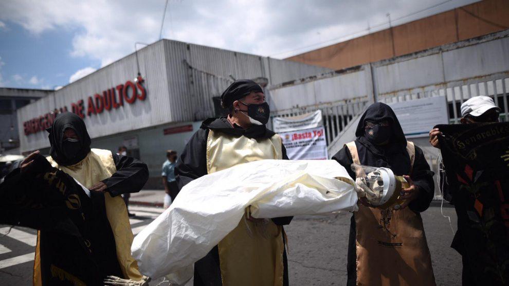 Sancarlistas se solidarizan con personal médico