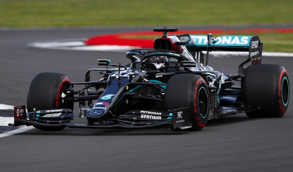 """Lewis Hamilton nuevamente gana la """"pole position"""""""