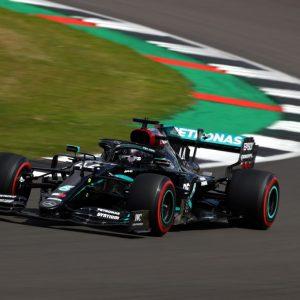 Lewis Hamilton gana la pole del GP de Gran Bretaña