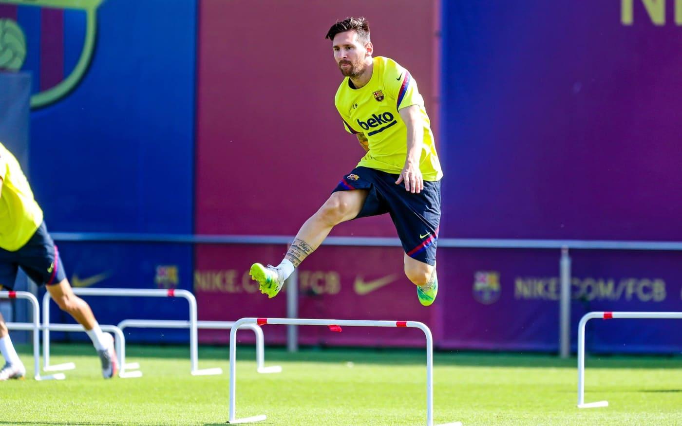 Messi desea una reunión para acordar su salida del Barcelona