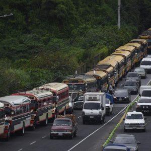 Caravana de buses