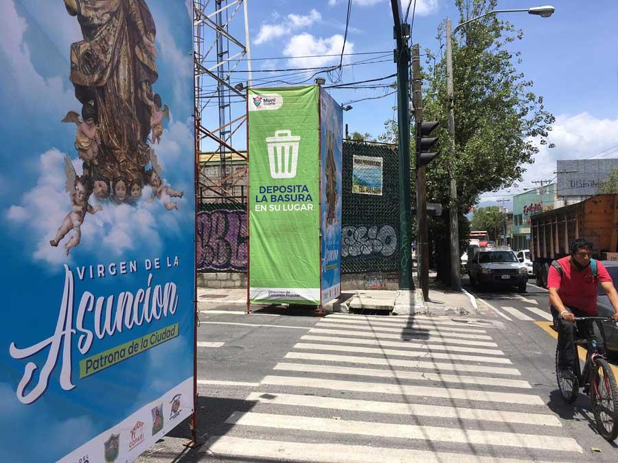 Andamios en cercanías a la Parroquia de la Asunción