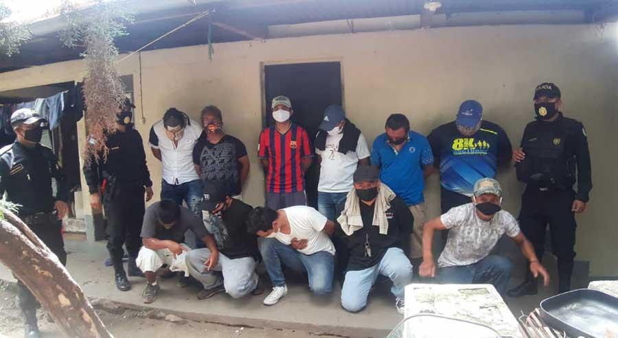Personas capturadas por beber alcohol