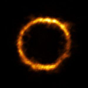 Galaxia detectada a 12 mil millones de años luz