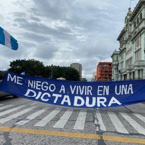 manifestación en la plaza de la Constitución el 22 de agosto