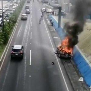 Vehículo se incendia en la ruta Interamericana