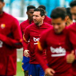 Lionel Messi ya entrena con sus compañeros