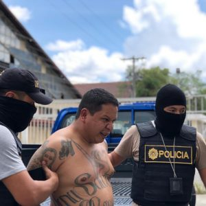 Pandillero se fugó de la cárcel El Boquerón.