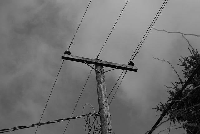 Poste de cableado eléctrico
