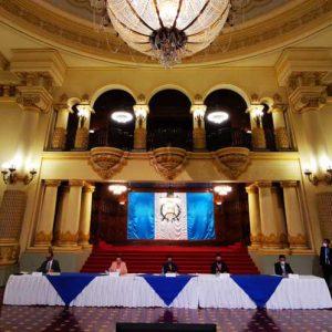 Conferencia de prensa por reapertura del AILA